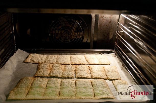 Crackers Profumati Con Pasta Madre Non Rinfrescata Il Piatto Giusto