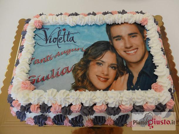 Torta Compleanno Violetta.Torta Alle Fragole A Tema Violetta Il Piatto Giusto
