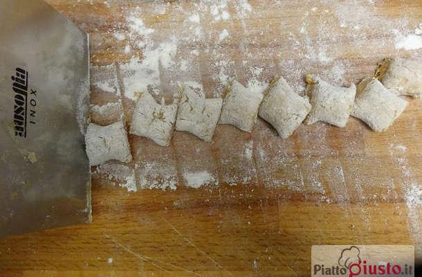 gnocchi-zucca-farina-castagne-burro-salvia-11