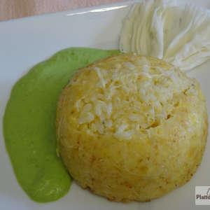 tortino di riso ai formaggi con crema di piselli