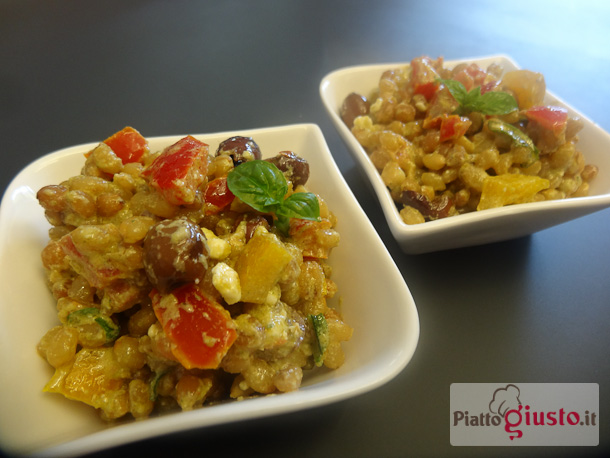 Insalata di grano con pesto alle mandorle,peperoni e olive taggiasche